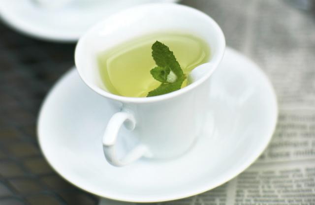 4 çajat që ndihmojnë dukshëm në humbjen të peshës!